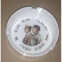 in ceramica con Mussolini e Hitler
