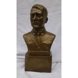 Busto in resina colata a freddo di Adolf Hitler. Rifinito in bronzo. La statua  alta 22 cm
